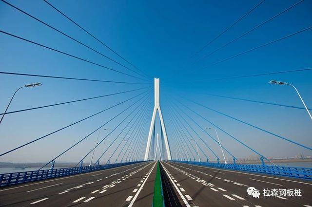 24米拉森钢板桩应用于沌口长江公路大桥